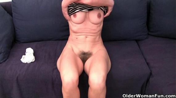 French granny Emanuelle loves cleaning and masturbating
